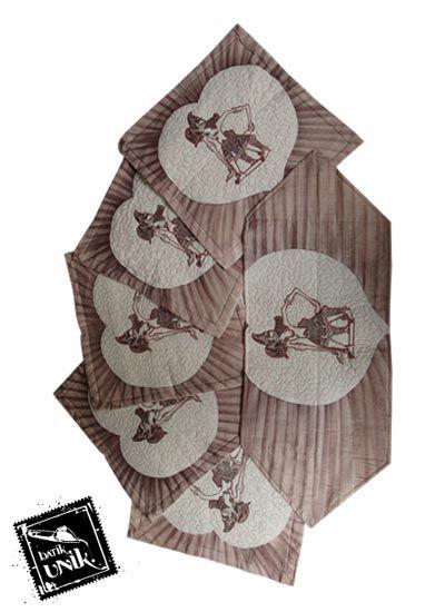 Sarung Bantal Kursi Batik Motif Batik Lukis Wayang