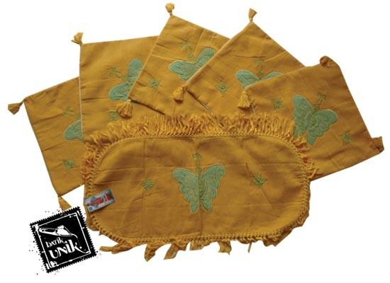 Sarung Bantal Kursi Batik Motif Kupu