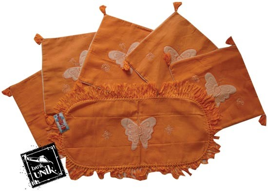 Sarung Bantal Kursi Batik Motif Kupu Orange Orange