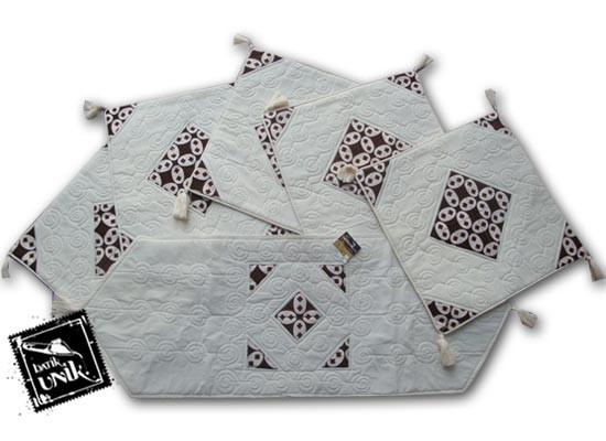 Sarung Bantal Kursi Batik Motif Batik Klasik
