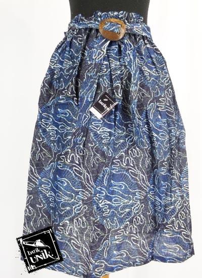 Rok Batik Pendek Motif Bunga Desember