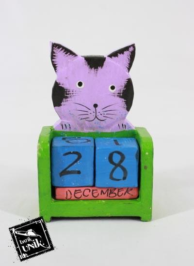 Souvenir Kalender Kayu Animal Warna