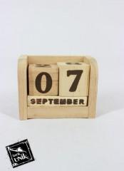 Souvenir Kalender Kayu Original (Coklat)