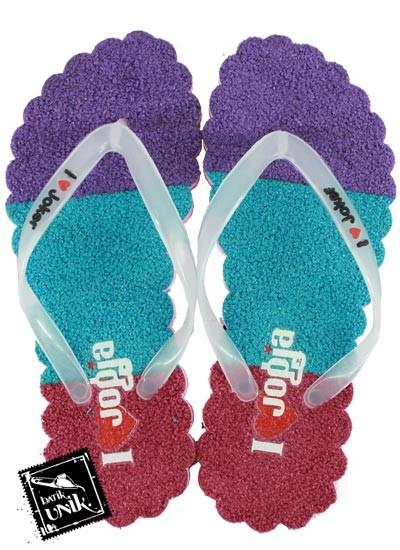 Sandal Gelombang Spoon Motif Alas Karpet