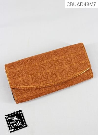 Dompet Tanggung Motif Batik Warna Sejagad