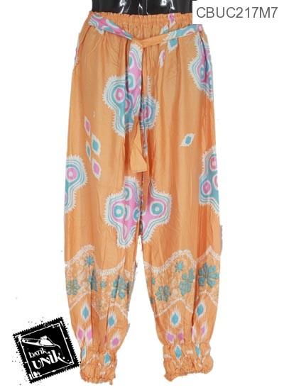Celana Aladin Motif Gelombang Suket Blumbang